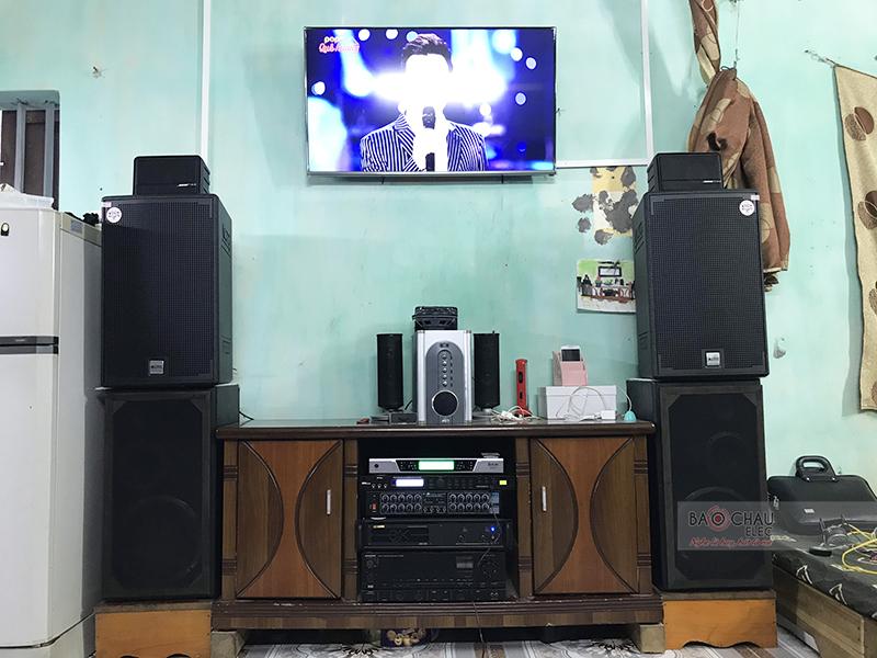 Dàn karaoke gia đình anh Tuấn