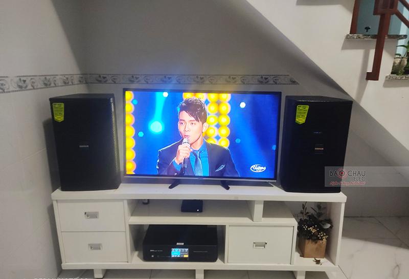 Dàn karaoke gia đình anh Duy h4