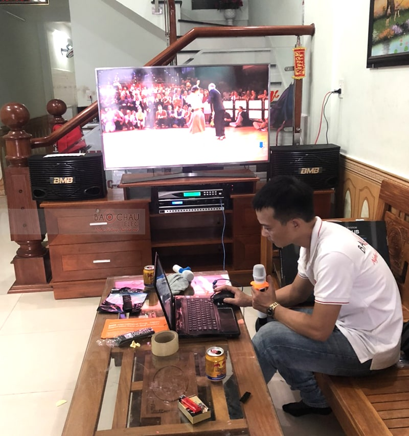 Dàn karaoke gia đình anh Quang tại Đà Nẵng