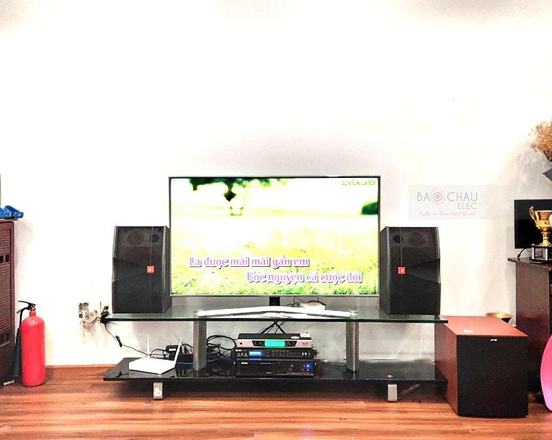 Dàn karaoke gia đình anh Hoàng tại TP HCM
