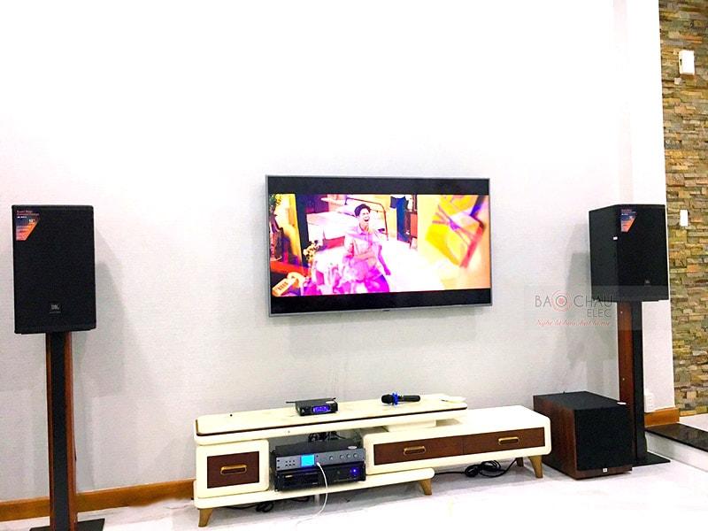 Dàn karaoke gia đình anh Hiếu tại TP HCM