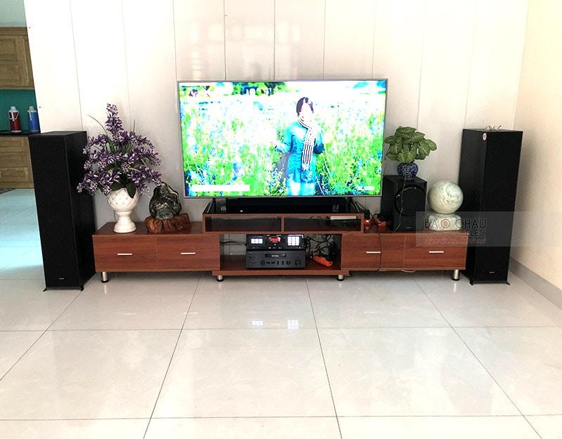 Dàn nghe nhạc của gia đình chú Hưng ở Mê Linh, Hà Nội