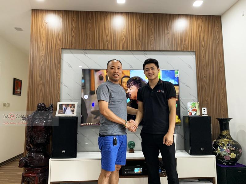 Dàn karaoke gia đình anh Thuận tại Hà Nội