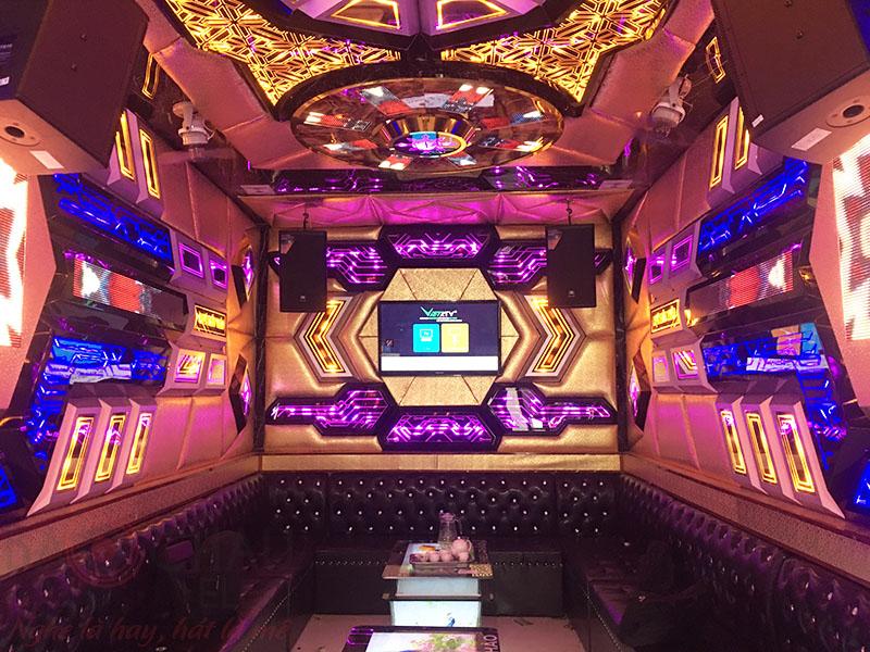 Lắp đặt quán karaoke kinh doanh cho anh Lễ tại Hà Nội