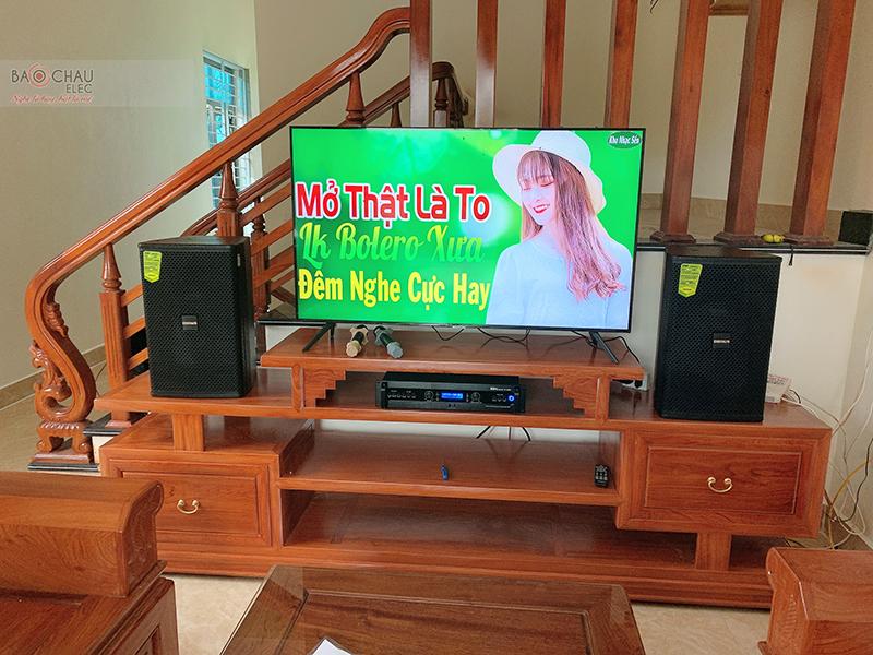 Dàn karaoke gia đình anh Cường