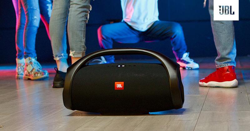 Loa Bluetooth JBL Boombox 2 cho chất âm bùng nổ, sống động