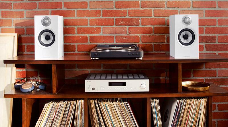 Loa B&W 607 (Bookshelf) dễ dàng phối ghép với nhiều dàn âm thanh