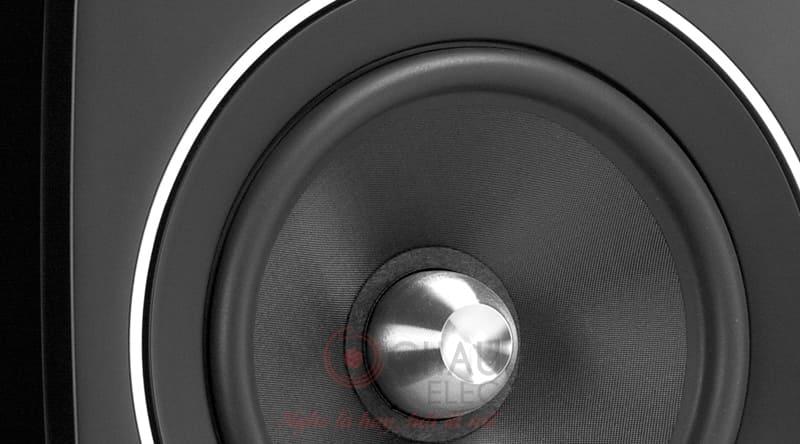Loa Jamo C103 WAL VENEER/HGW có củ bass được chế tác từ chất liệu cao cấp