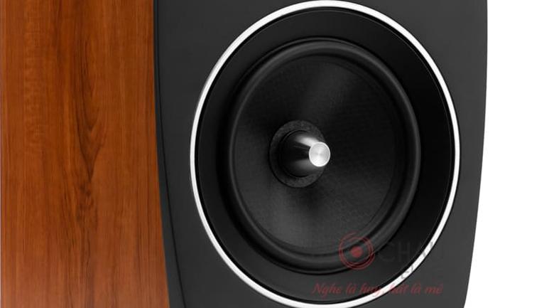 Loa Jamo C93 trang bị củ bass có gân nhúng ở màng loa