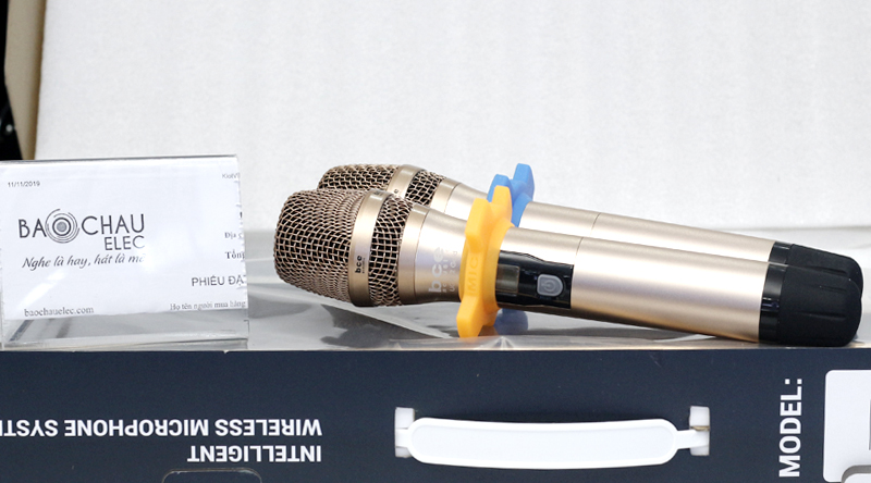 Micro không dây BCE UGX12 Gold thiết kế đẹp mắt, ấn tượng