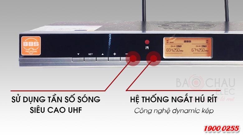 Micro không dây BBS B900 sử dụng tần sóng siêu cao UHF