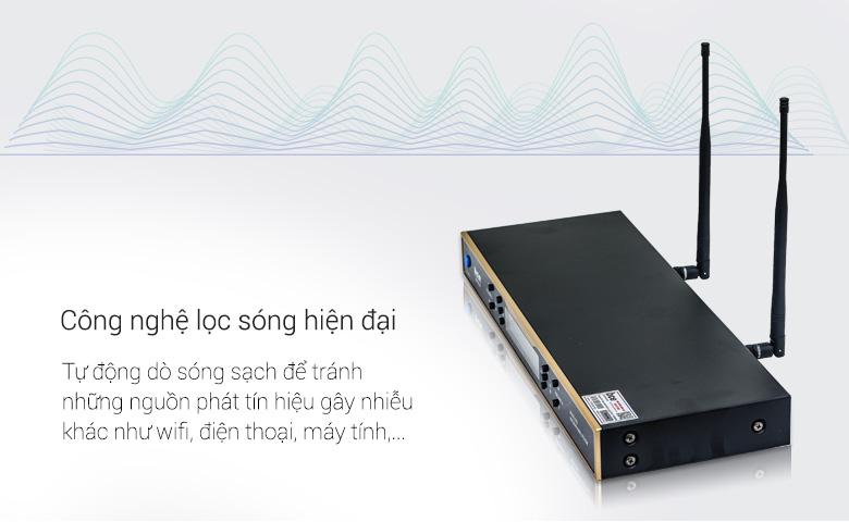 Micro không dây BCE UGX12 Gold sử dụng công nghệ lọc sóng sạch