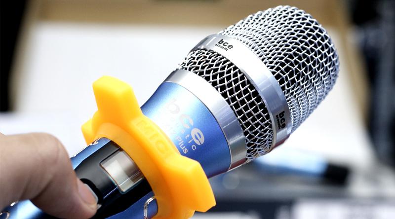 Tay micro không dây BCE UGX12 Plus Luxury thiết kế đẹp mắt