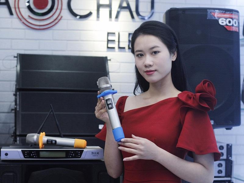 Micro không dây BCE UGX12 hát cực nhẹ, chống hú rít