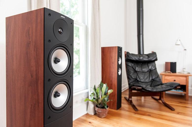 Loa nghe nhạc Jamo S626 sử dụng phù hợp cho những phòng giải trí rộng khoảng 20m2