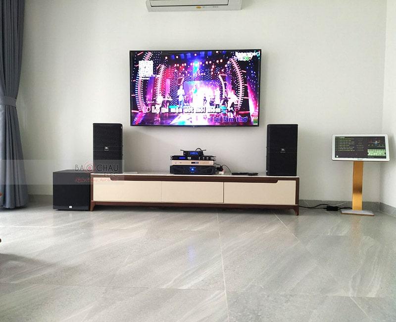 Loa sub điện JBL A120P cho dàn karaoke của gia đình