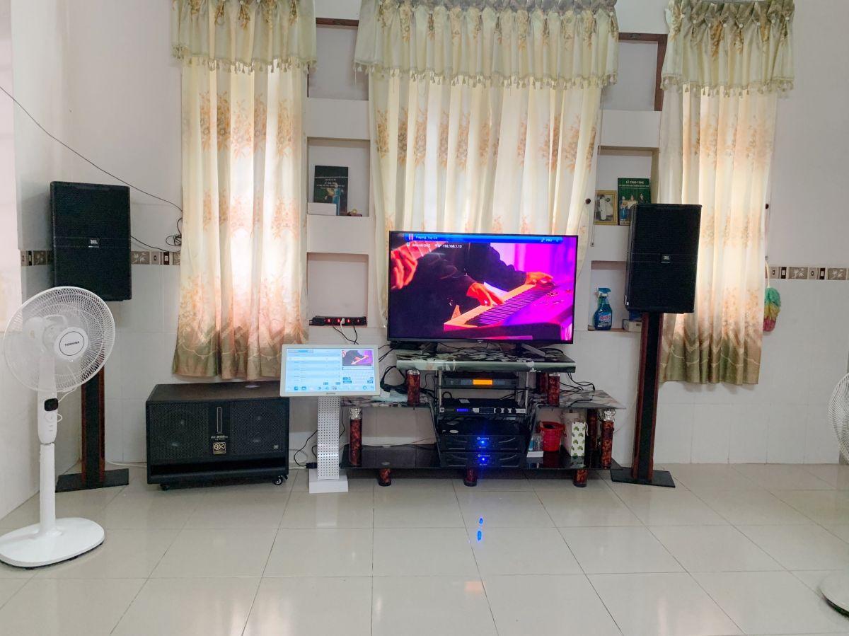 Dàn karaoke JBL VIP của gia đình anh Đăng ở Phong Điền h6