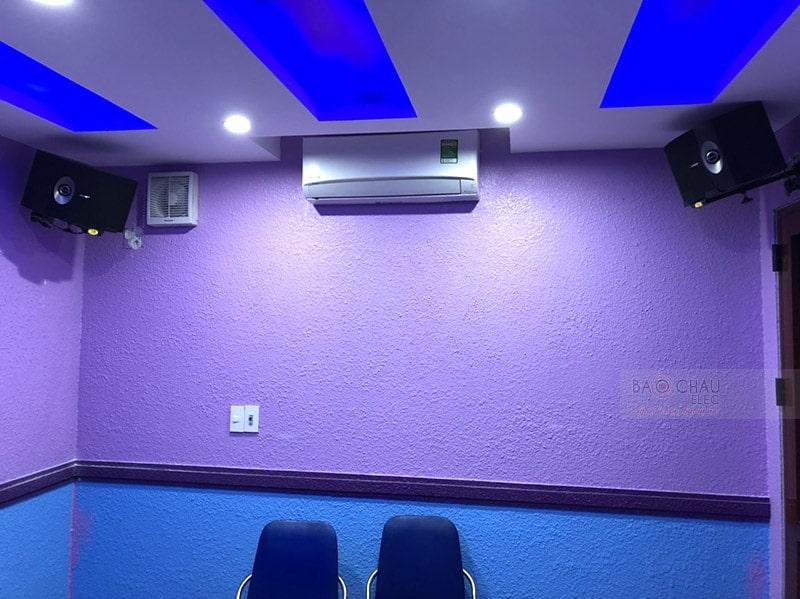 Khách hàng tại Hà Nội mua dàn karaoke sử dụng loa Bose 301 Series V
