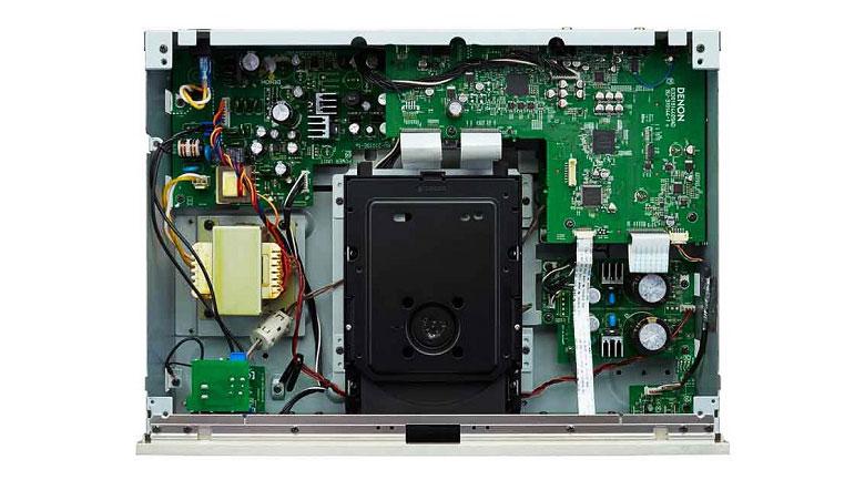 Đầu Denon DCD-1520AE được trang bị hệ thống linh kiện cao cấp