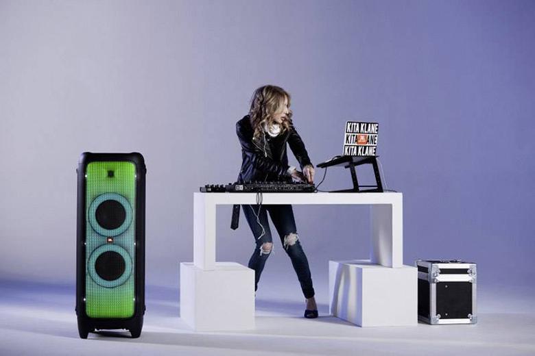 Loa JBL PartyBox 1000 cho âm thanh mạnh mẽ