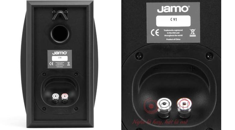 Loa Jamo C91 trang bị cổng thoát hơi ở mặt sau