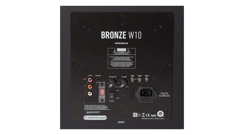 Loa sub Monitor Audio W10 hệ thống cổng kết nối đa dạng