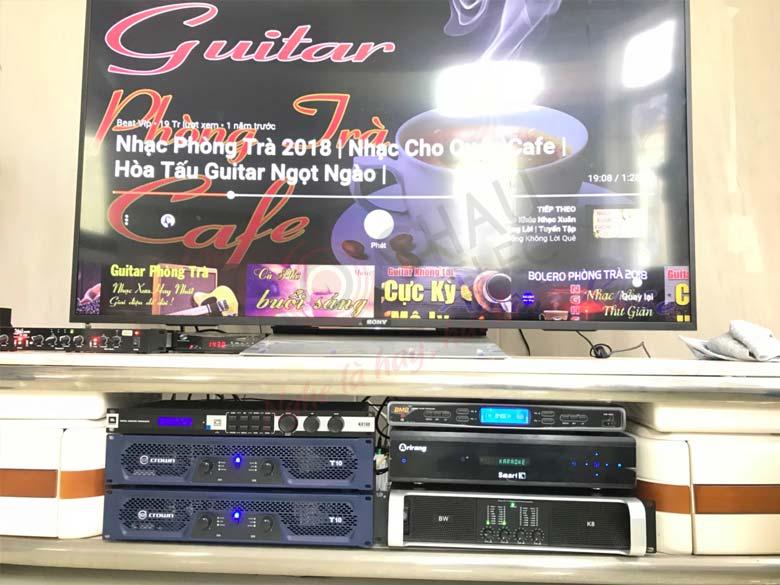 Micro không dây BMB WB 4500 được sử dụng tại nhiều dàn karaoke gia đình