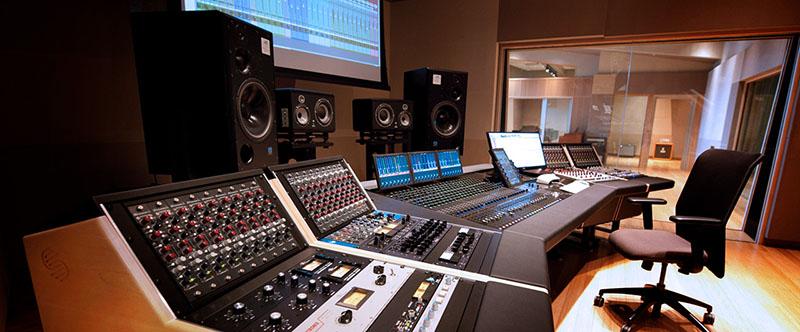 Mixer trong hệ thống thu âm chuyên nghiệp