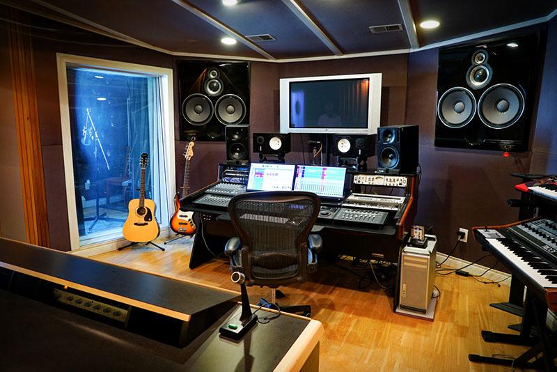 Mixer có vai trò quan trọng trong hệ thống âm thanh chuyên nghiệp