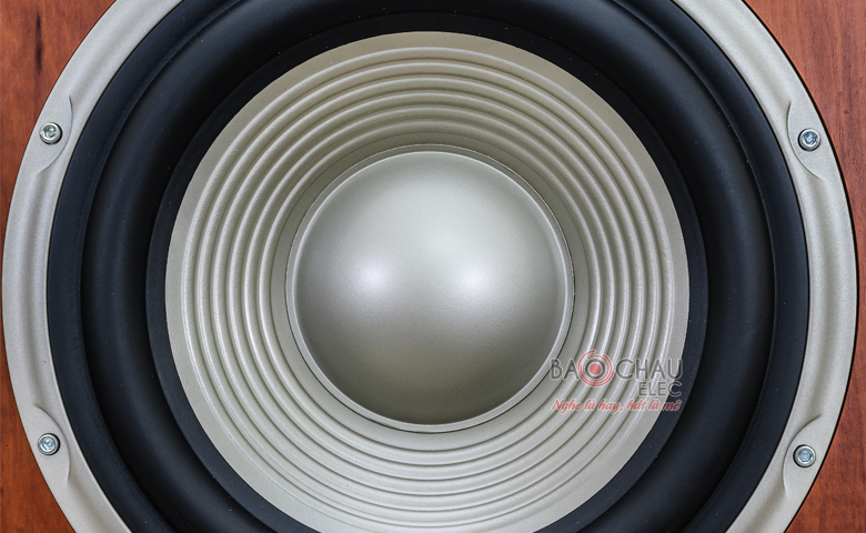 Loa sub JBL L8400P/230 củ bass