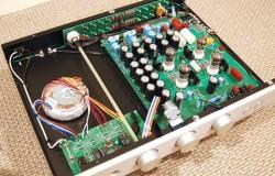 Ampli bán dẫn là gì ? Có bao nhiêu loại ampli bán dẫn