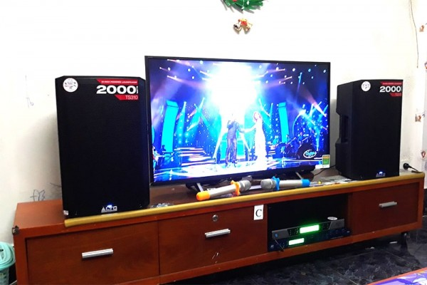 Lắp đặt dàn karaoke Alto cho gia đình anh Bách ở Quận Phú Nhuận