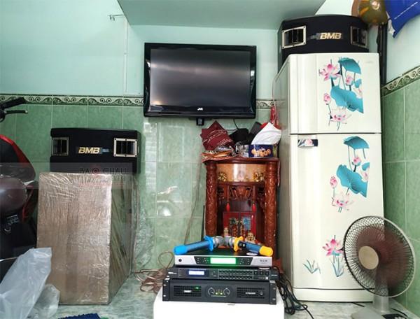 Lắp đặt dàn karaoke BMB cho gia đình anh Hiếu ở Quận 11 (BMB CSV 450SE, SAE CT6000, DSP9000, UGX12 Luxury)