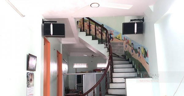 Dàn karaoke JBL của gia đình anh Hoạt ở Thái Bình (JBL Ki512, Crown KVS700, X5 Plus, UGX12 Luxury)
