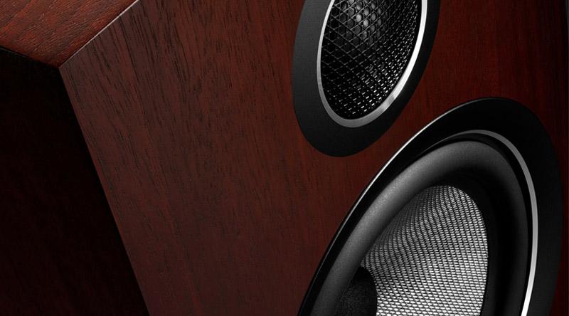 Loa B&W 703 S2 cấu tạo 4 loa, 3 đường tiếng cho khả năng tái tạo âm thanh hoàn hảo các dải tần