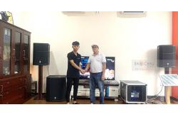 Dàn karaoke gia đình chị Vân ở Quận 9, HCM (PRX 415M, PRX418S, AAP TD8004, AAP K9800, JBL VM300, Plus 4TB, ViệtKTV 22 inch)