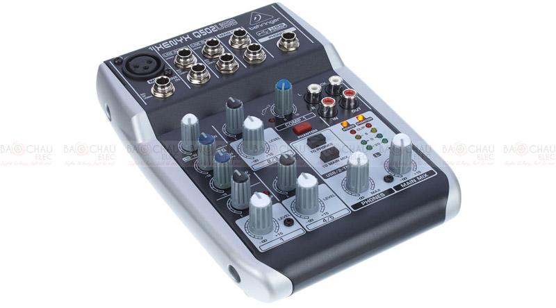 Bàn mixer Behringer Xenyx Q502USB