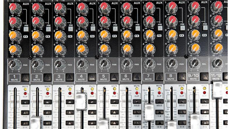 Bàn mixer Behringer Xenyx QX2442USB