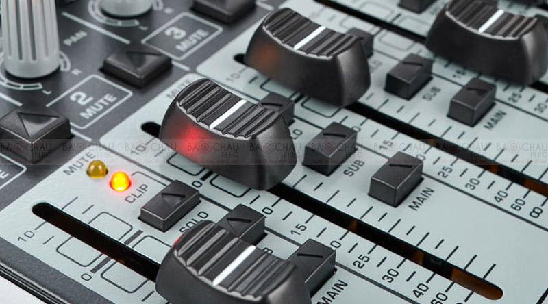 Bàn mixer Behringer Xenyx X1622USB