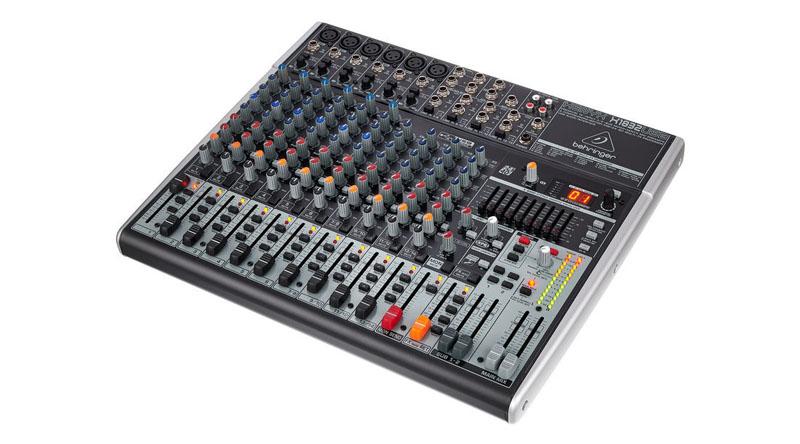 Bàn mixer Behringer Xenyx X1832USB