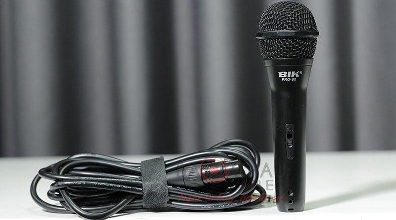 Micro có dây BIK Pro-8X thiết kế thoải mái