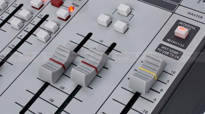 Mixer Soundcraft Signature 12MTK