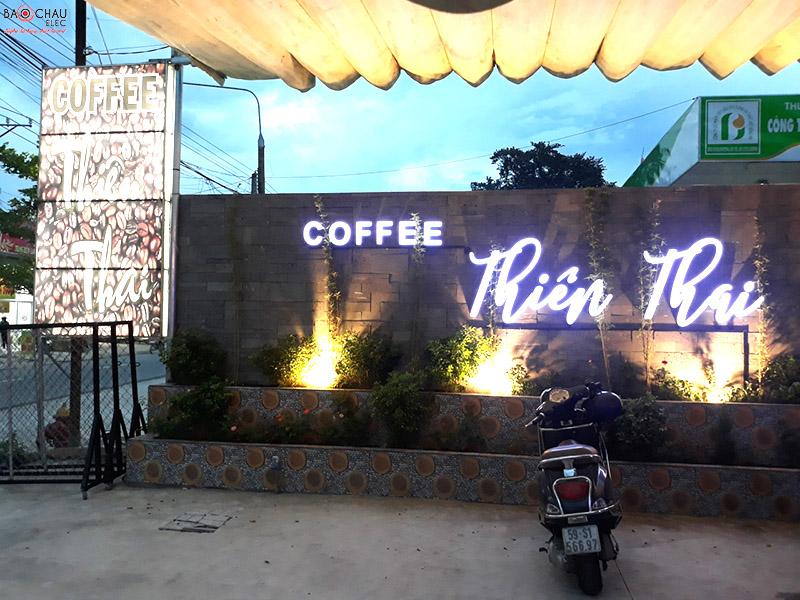 am thanh san khau cafe h0
