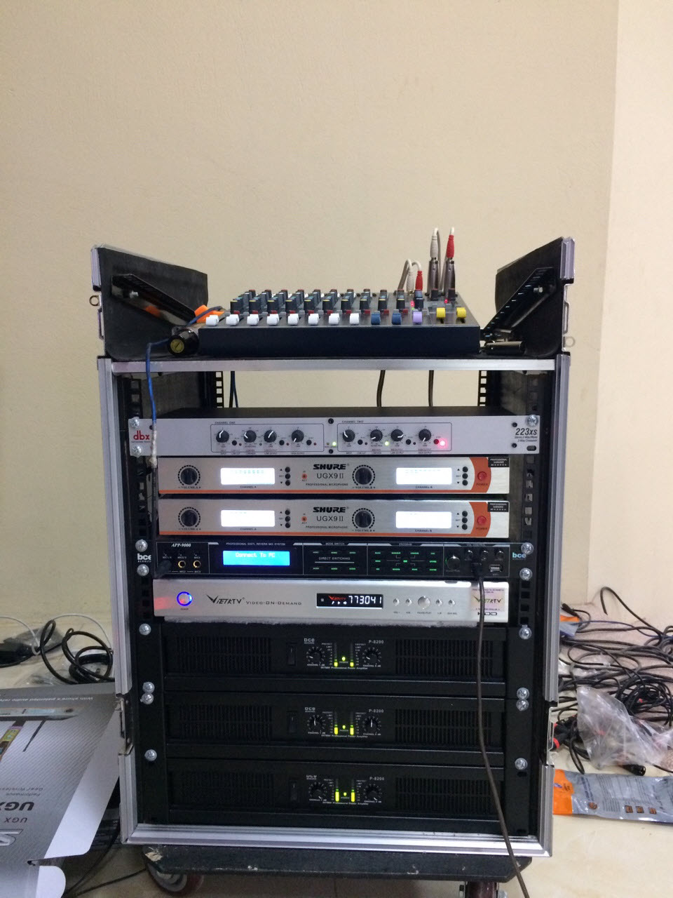 tủ máy dàn âm thanh hội trường giá rẻ
