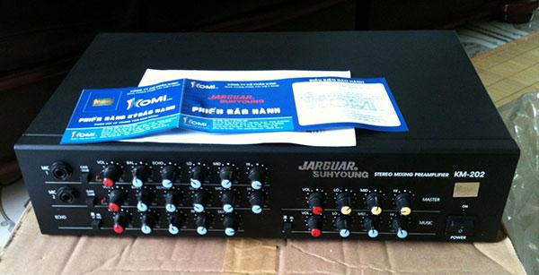Mixer jarguar KM 202 dùng trong các bộ dàn karaoke gia đình