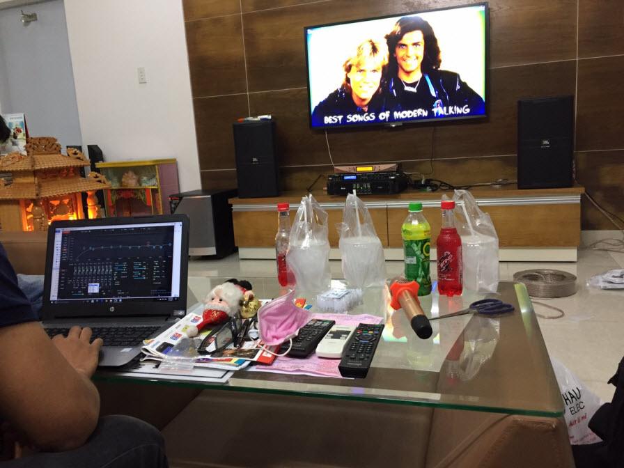 dan-karaoke-gia-dinh-anh-mung-tai-binh-duong-h23