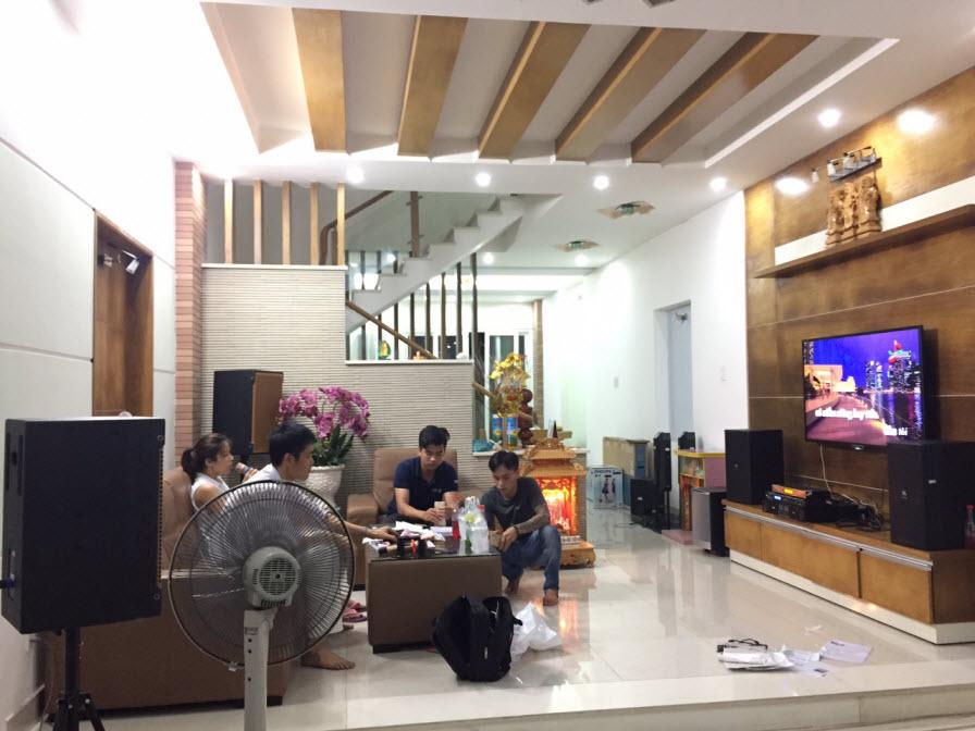 dan-karaoke-gia-dinh-anh-mung-tai-binh-duong-h28