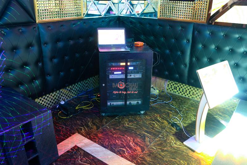 Karaoke chuyen nghiep cua quan karaoke Paris h34